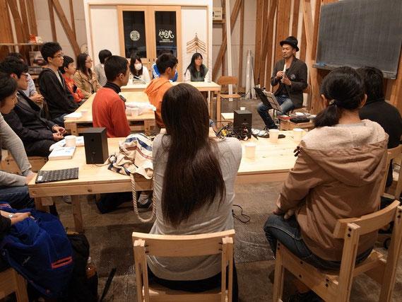 〈中高生文化企画:ゲスト講師 山崎円城さん〉2015.11/3 photo by Norito Watanabe