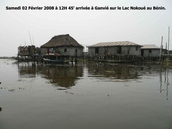 Cité lacustre de Ganvié près de Cotonou. 314 KO.