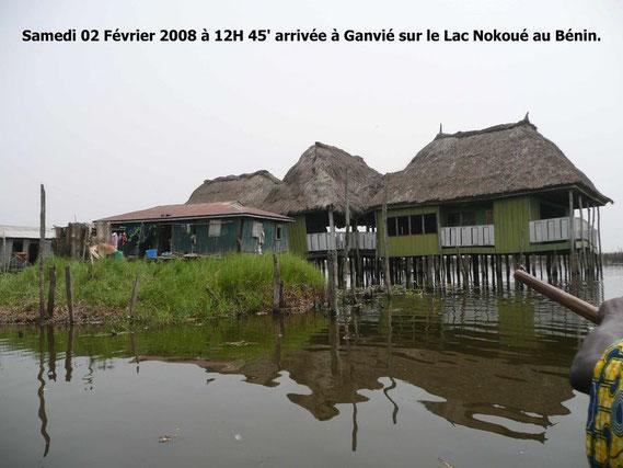 La cité lacustre de Ganvié sur le Lac Nokoué. Plus de 30000 Habitants. 417 KO.