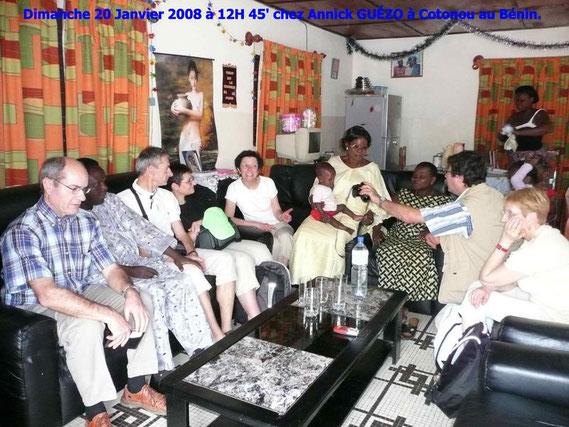 Dimanche après midi 20 Janvier 2008, nous sommes reçus chez Annick GUÉZO, à Cotonou. 448 KO. Personnes assises : Dany, Philippe Guezo, Patrick, Claudie, Paulette, Constance avec le bébé, Margueritte, Joël, Annie.
