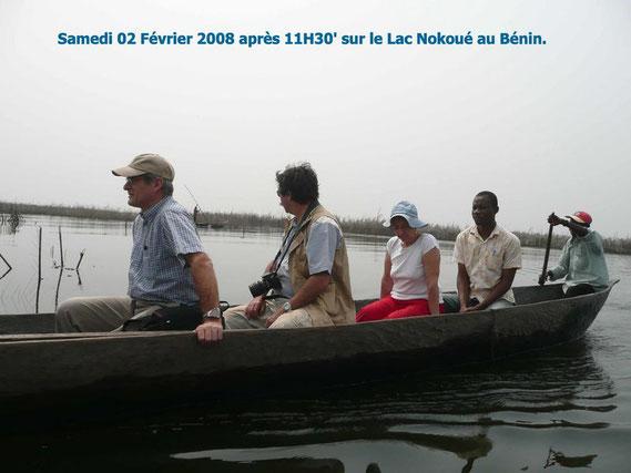 Dany, reste dans l' axe, tu vas nous faire chavirer à te crisper ! En barque sur le trajet de la cité lacustre de Ganvié, samedi 02 Fév. 289 KO