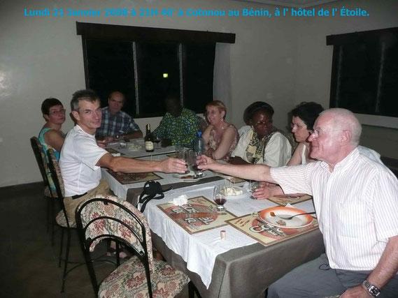 Cotonou lundi 21 Janv.08 , Hôtel de l' ÉTOILE. Constance et Philippe GUÉZO sont nos hôtes. 330KO