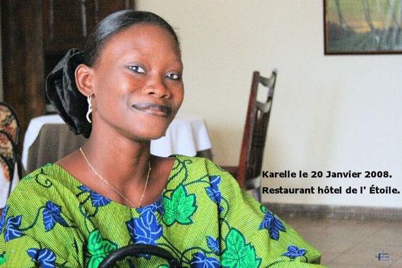 Karelle est venue nous saluer au restaurant de l'Étoile à Cotonou Dimanche 20 Janvier 2008. 283 KO.