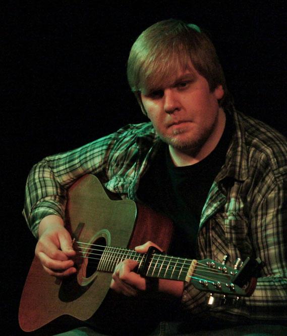 Tim Köhler  6/12string-Westerngitarren / Klassik-Gitarre / Vocals