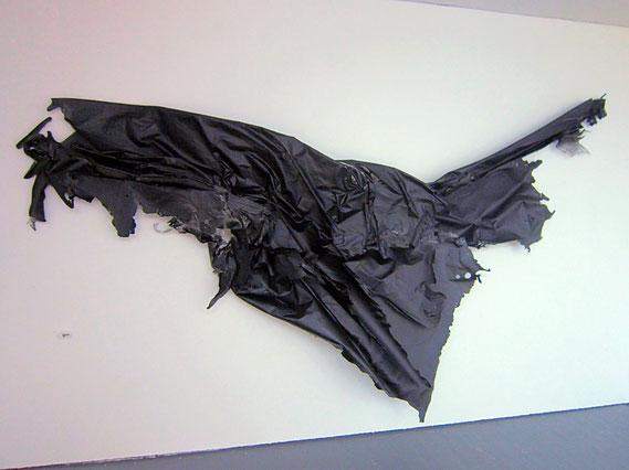 Sébastien Gaudette, papier froissé, White box, froissement, maquette art, installation froissement, sculpture papier