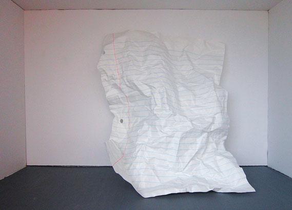 Sébastien Gaudette, papier froissé, White box, feuille lignée, froissement, maquette art, installation froissement, sculpture papier