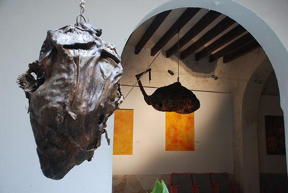 El Cabezón y El Pez – sculptures by Amador Vallina