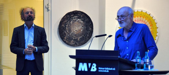 Dietmar Gross und Dr. Otto Martin bei der Eröffnung der Ausstellung im MVB-Forum Mainz