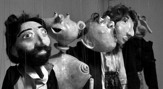 Marionetten von Amador Vallina
