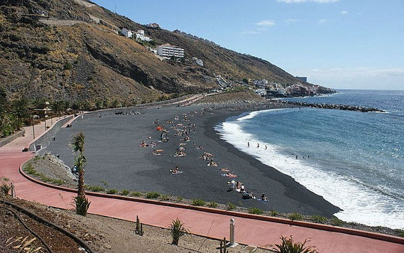 Strand 'La Nea' Radazul mit Promenade