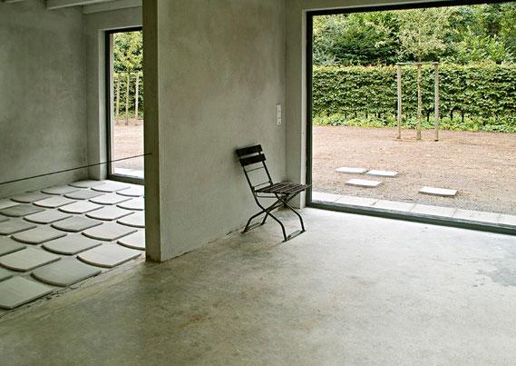 """""""an anderem Ort""""      Installation im Jakobipark/Gartenvitrine des Künstlervereins Malkasten, Düsseldorf 2014"""