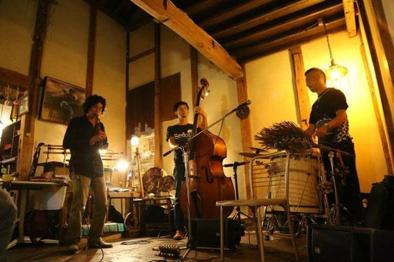 iritena+yanagisawa+fujio at haudy's cafe 2013