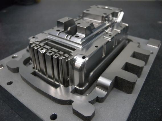 金属光造形複合加工で製作した金型