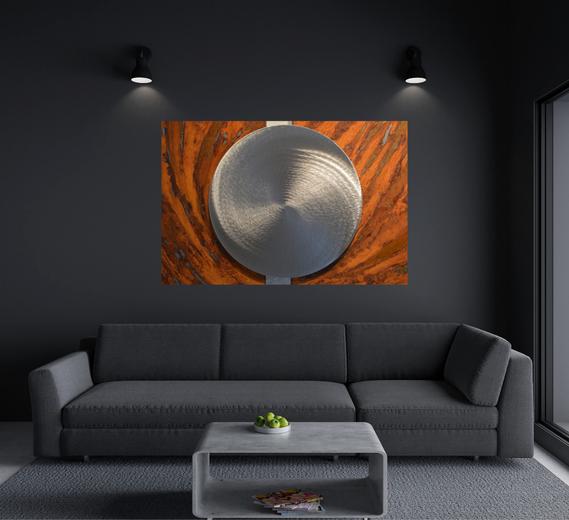 Wohnen und Kunst: Stahlbild als Blickfang im Wohnzimmer