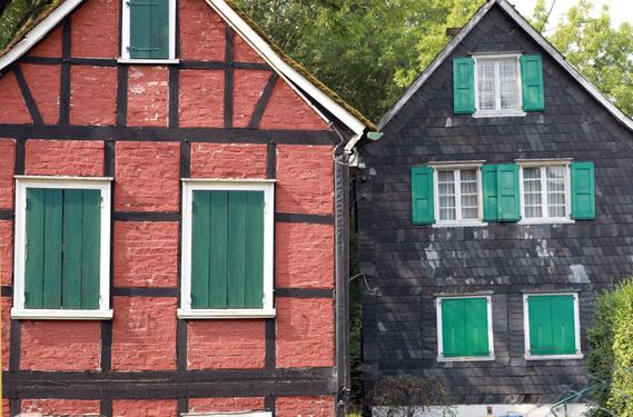 Rotes und Schwarzes Haus in Solingen