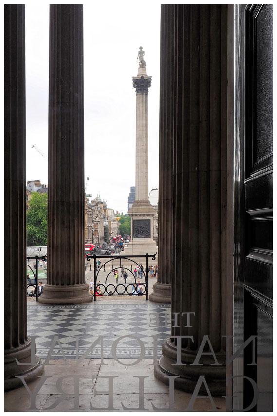 Blick von der Nationalgalerie in London auf die Nelsonsäule
