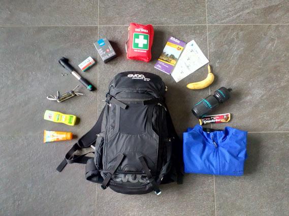 Mountainbike-Rucksack mit Inhalt