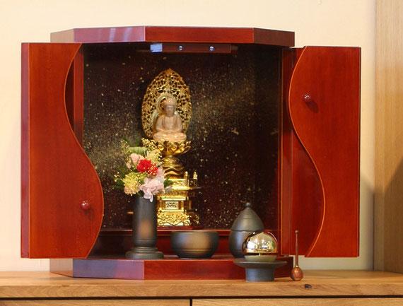 飛騨春慶小型仏壇勾玉ミクロコスモス金粉光る小さなお仏壇