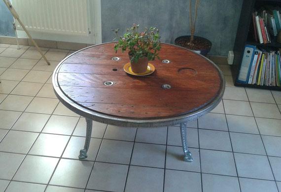 les tables basses tourets site de mafabrikabois. Black Bedroom Furniture Sets. Home Design Ideas