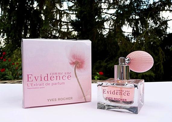 COMME UNE EVIDENCE - L'EXTRAIT DE PARFUM : JOLI FLACON AVEC POIRE ROSE