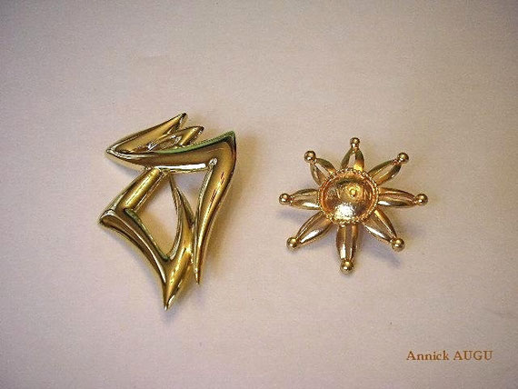AVON : 2 BROCHES