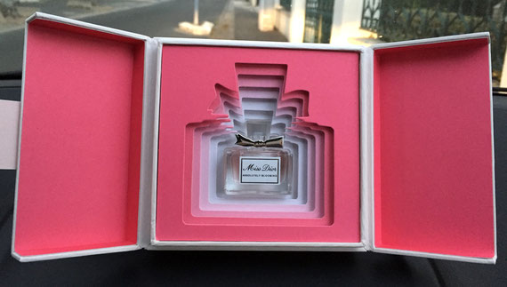 RENTREE 2016 - MISS DIOR ABSOLUTELY BLOOMING :  PRESENTATION DANS LUXUEUX COFFRET
