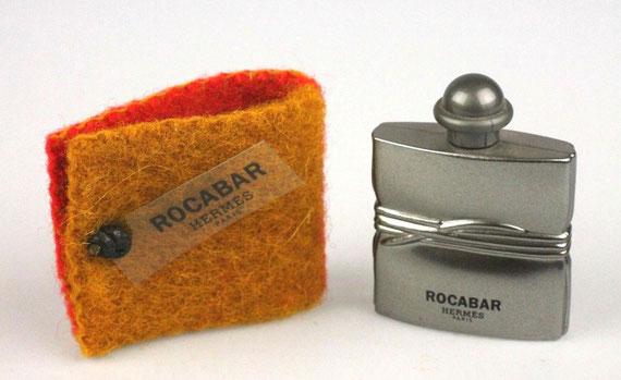 ROCABAR - FLACON METALLISE ARGENT DANS POCHON EN ECRIN