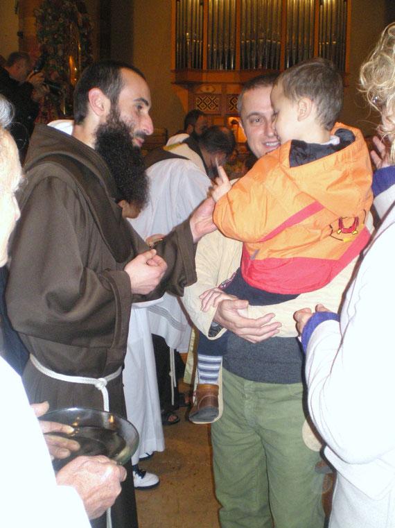 DOMENICA 24.10.10. Uno dei momenti oiù belli della missione-Benedizione dei bambini piccoli 0-6 anni