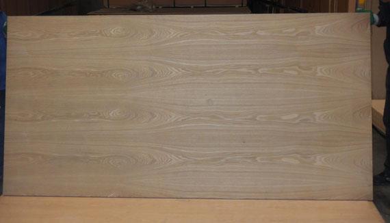 столешница из широколамельного мебельного щита ясеня толщина 40мм ,массив ясеня,доска ясеня,слэб из ясеня