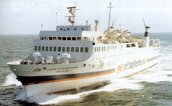 Penn Ar Bed at sea in her last Brittany Ferries' livery.
