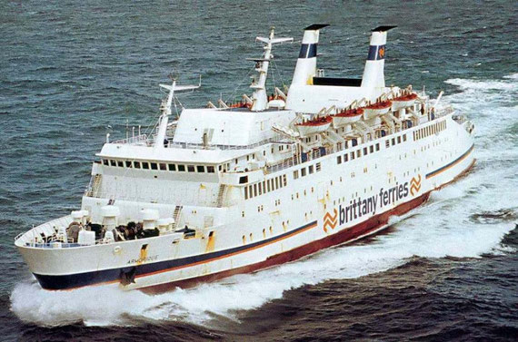Armorique (1) at sea.