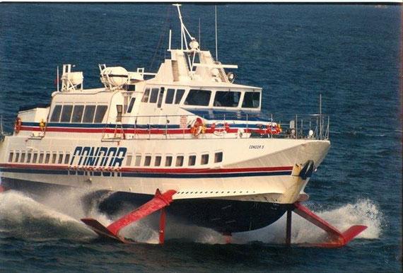Condor 5 at sea.