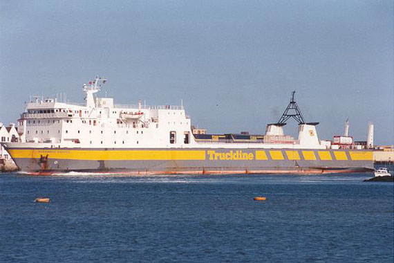 Normandie Shipper arriving in Poole.