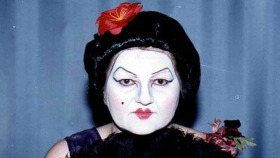 Die Kokotten von Puff-Peng | Chinesischer Singschwang von Lisl Wedenig