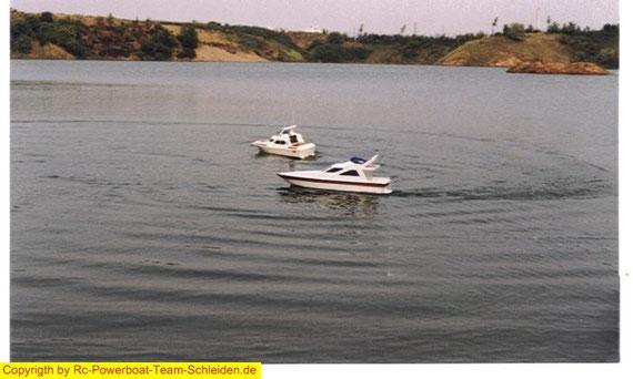 Die Marauder und die Sea Commander So gemütlich nur für's Foto.Beide unterwegs mit 20 Sanyos und Keller Motor.