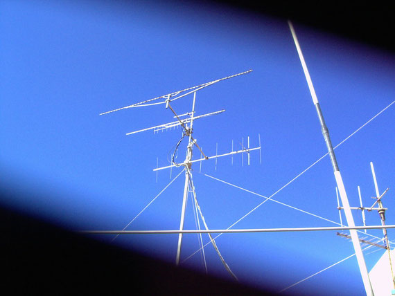 55 e 35 Tonna (1.240-1.290) 9+9 tonna (144mhz) 10 elem (430) 13 el.(1.240) + Rotore di Elevazione