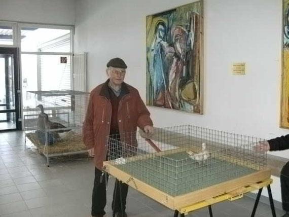 Hugo Widmann mit seinen Bodenpurzlern