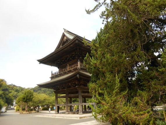 建長寺 三門。 お気に入りのショットです。