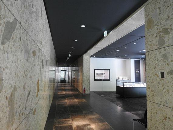 廊下と中世展示室