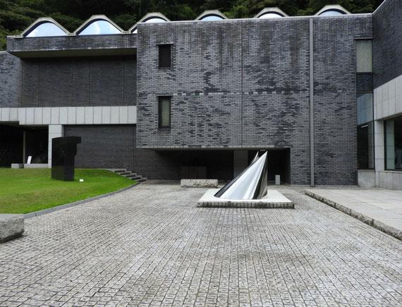 鎌倉近代美術館別館 8月