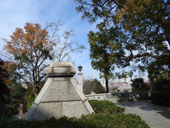 横浜外国人墓地資料館、案内展望台