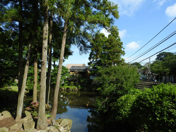 北鎌倉駅と円覚寺白鷺池