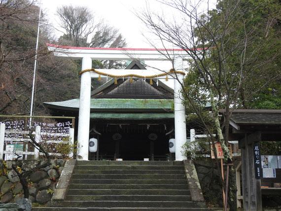 鎌倉宮 本殿へ