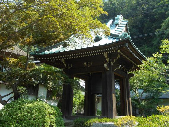 海蔵寺鐘楼。 荘厳でした。
