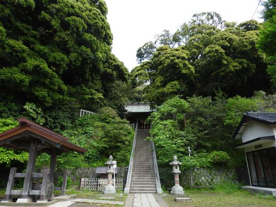甘縄神明神社への石段