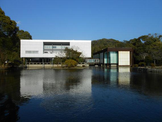 12月の、鎌倉近代美術館全景