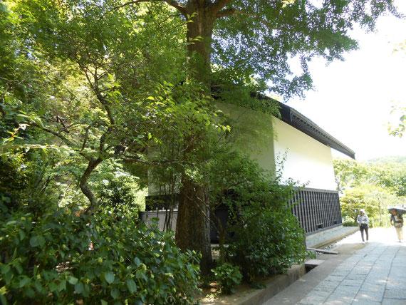 松岡宝蔵の建物、所蔵蔵のイメージ、なかなか見られないデザインです