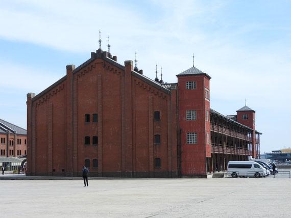 ヨコハマ赤レンガ倉庫 4月
