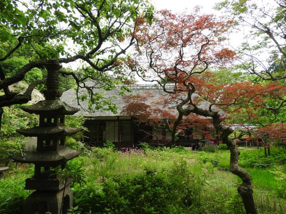 浄智寺 茅葺屋根の、書院・客殿