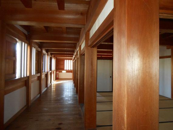 巽櫓回廊、当時の木造建築が垣間見れます